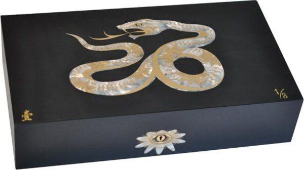 Humidor Elie Bleu Serpente Madreperla Edizione Limitata Nero (numerato 1-8)