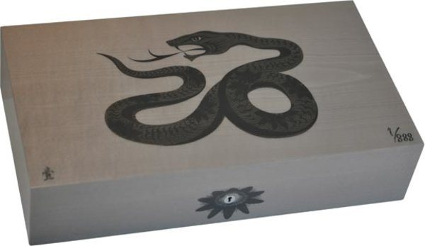 Humidor Elie Bleu Sicomoro Intarsio Serpente Edizione limitata Grigio.